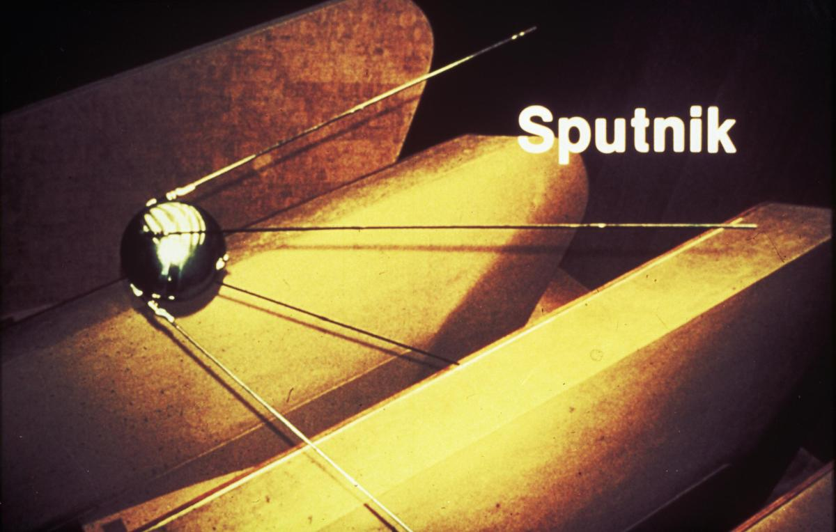 Sputnik The Soviet Satellite That Changed The World Tt3